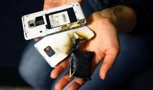 फोन की बैटरी ब्लास्ट होने से बचाना है, तो अपनाएं ये टिप्स