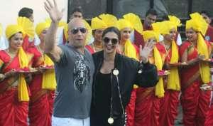 विन डीजल पहुंचे भारत, ढोल-नगाड़ों के साथ एयरपोर्ट पर किया स्वागत