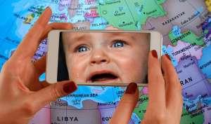 स्मार्टफोन के प्रति आपका अत्यधिक लगाव बच्चों के लिए खतरनाक