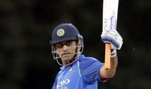 ये कारनामा करना वाले चौथे भारतीय बल्लेबाज बने धोनी