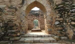 दिल्ली में दफन है वो खिलजी जिसे वक्त की एक करवट ने शैतान बना दिया