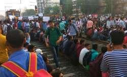रेलवे ट्रेक पर...- IndiaTV Paisa