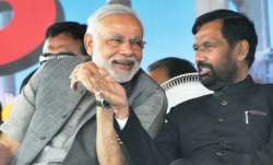 Modi and paswan- IndiaTV Paisa