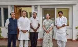 H D Kumaraswamy- IndiaTV Paisa