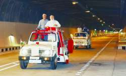 modi on open jeep- IndiaTV Paisa