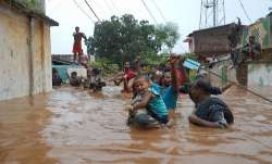 पूरे देश में मानसून बना आफत; गुजरात, उत्तराखंड, महाराष्ट्र में बाढ़ जैसे हालात- IndiaTV Paisa
