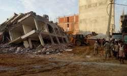 ग्रेटर नोएडा के शाहबेरी में 2 इमारतें गिरी, 2 की मौत, कई लोगों के दबे होने की आशंका- IndiaTV Paisa