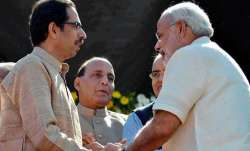 uddhav thackeary and pm...- IndiaTV Paisa