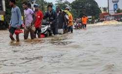 केरल की विनाशलीला में जिंदगी की जंग, जान बचाई, अब जिंदगी संवारने की बारी- IndiaTV Paisa