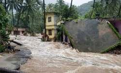 केरल में रेड अलर्ट जारी, बाढ़ से मरने वालों की संख्या 67 हुई, कोचीन हवाईअड्डा शनिवार तक बंद- IndiaTV Paisa