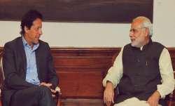 पाक पीएम इमरान खान ने पीएम मोदी को लिखी चिट्ठी, फिर से शांति वार्ता शुरू करवाने की अपील- IndiaTV Paisa