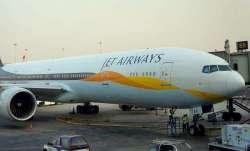 जेट एयरवेज के क्रू मेंबर्स ने की एक गलती और यात्रियों के नाक-कान से निकलने लगा खून- IndiaTV Paisa