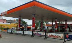Delhi petrol pumps to remain shut tomorrow as dealers protest state government's refusal to cut VAT - India TV Paisa