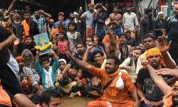 Sabarimala row: Protests over entry of women continue, tension prevails in Pamba, Nilakkal- India TV Paisa