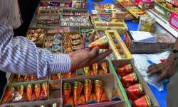 Supreme Court to decide on Tuesday on petitions seeking a direction to ban firecrackers sale - India TV Paisa