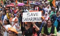 Sabarimala Temple: मंदिर में महिलाओं के प्रवेश को लेकर विरोध प्रदर्शन, कई गिरफ्तार- India TV Paisa