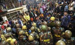 Protests at Sabarimala, dozens in custody during midnight, BJP observes protests, block vehicles- India TV Paisa