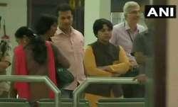 सबरीमाला: कोच्चि पहुंचीं तृप्ति देसाई, हवाई अड्डे पर फंसी; केरल के 5 जिलों में धारा 144 लागू- India TV Paisa