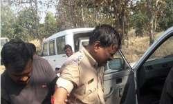 Policemen Attacked- India TV Paisa