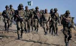 भारत के डर से पाकिस्तान ने LoC पर शुरू की युद्ध की तैयारी, बढ़ाया सेना और तोपखाने का जमावड़ा- India TV Paisa