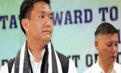 अरुणाचल में भाजपा को लगा जोर का झटका; 2 मंत्रियों, 12 विधायकों का पार्टी से इस्तीफा- India TV Paisa
