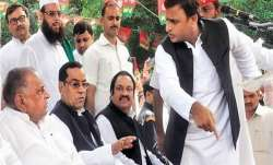 <p>Mulayam Singh...- India TV Paisa