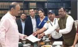 वित्त मंत्री अरुण...- India TV Paisa