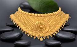 Gold rises Rs 150 on jewellers' buying, positive global trend- India TV Paisa
