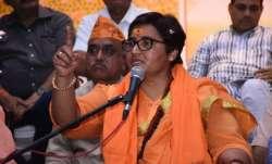 Sadhvi Pragya back steps her statement on Hemant Karkare- India TV Paisa