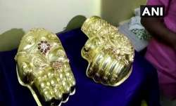 devotee to donate 6 kilo gold jewelry...- India TV Paisa