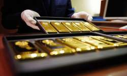Gold prices fall by Rs 100 on easing demand- India TV Paisa