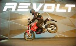 Revolt Intellicorp unveils first electric motorcycle RV400- India TV Paisa