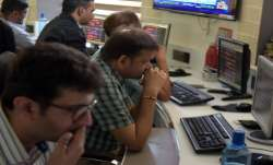 Sensex plunges 560.45 pts, Nifty sinks 177.65 pts - India TV Paisa