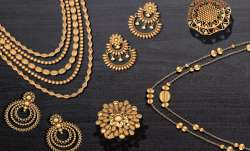 Gold climbs Rs 475 on jewellers' buying, silver gains Rs 378- India TV Paisa