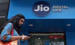 Jio adds 82.6 lakh users- India TV Paisa