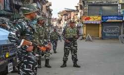 कश्मीर घाटी में 50...- India TV Paisa