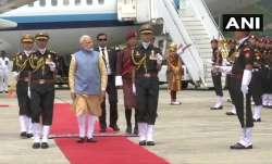 पीएम मोदी दो दिवसीय यात्रा पर भूटान पहुंचे, हवाई अड्डे पर हुआ जोरदार स्वागत- India TV Paisa
