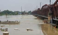 हथिनीकुण्ड बैराज से छोड़े गए पानी से दिल्ली के साथ-साथ मथुरा में बढ़ा बाढ़ का खतरा - India TV Paisa
