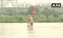 Water from overflowing Yamuna river enters Nigambodh Ghat- India TV Paisa