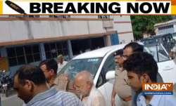 पूर्व केंद्रीय मंत्री चिन्मयानंद यौन शोषण के आरोप में गिरफ्तार- India TV Paisa