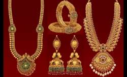 Gold rises Rs 70 to Rs 38,695 per 10 gm- India TV Paisa