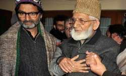 <p>yasin malik and syed ali shah...- India TV Paisa