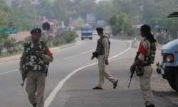 कश्मीर में चैन से आतंकी हुए बेचैन, बनाया दहशत फैलाने का नया प्लान- India TV Paisa