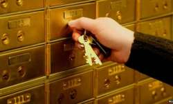 How safe is your gold kept in the bank locker? Know why it is important to buy gold insurance- India TV Paisa