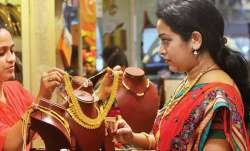 Gold rises Rs 296 on weaker rupee, rally in global prices- India TV Paisa