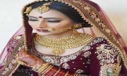 Gold slides by Rs 53, silver prices fall Rs 20 - India TV Paisa