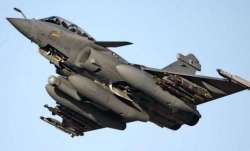 Three Rafale fighter jets handed overIndia, training IAF pilots underway in France- India TV Paisa