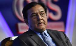 Rana Kapoor now holds just 900 shares in Yes Bank- India TV Paisa