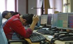 Sensex tumbles 229 pts as weak macro data, rupee woes weigh- India TV Paisa