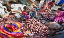 Onion prices soar in India - India TV Paisa